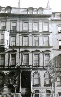 133 Beacon (ca. 1942); photograph by Bainbridge Bunting, courtesy of the Boston Athenaeum