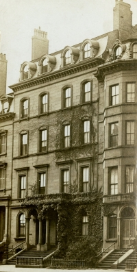 140-142 Beacon (ca. 1908), courtesy of the Boston Athenaeum