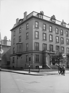 149 Beacon, photograph by Leslie Jones (ca. 1937); courtesy of the Print Department, Boston Public Library