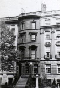 154 Beacon (ca. 1942), photograph by Bainbridge Bunting, courtesy of the Boston Athenaeum