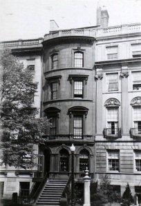 154 Beacon (ca. 1942), photograph by Bainbridge Bunting, courtesy of the Boston Athenaeum