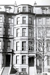 186 Beacon (ca. 1942), photograph by Bainbridge Bunting, courtesy of the Boston Athenaeum