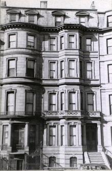 188-190 Beacon (ca. 1942), photograph by Bainbridge Bunting, courtesy of the Boston Athenaeum