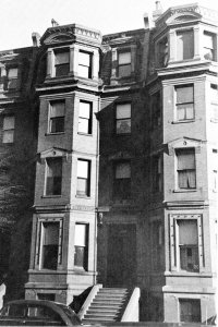 277 Beacon (ca. 1942), photograph by Bainbridge Bunting, courtesy of the Boston Athenaeum