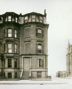 282 Beacon (ca. 1900), photograph by Alexander Wadsworth Longfellow; courtesy of Historic New England