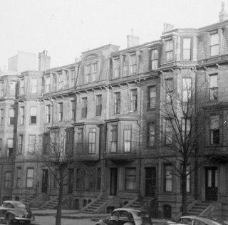 311-319 Beacon (ca. 1942), photograph by Bainbridge Bunting, courtesy of The Gleason Partnership