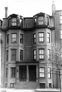 353-355 Beacon (ca. 1942), photograph by Bainbridge Bunting, courtesy of The Gleason Partnership