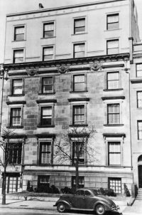 412 Beacon (ca. 1942), photograph by Bainbridge Bunting, courtesy of the Boston Athenaeum