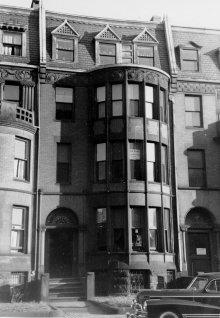 457 Beacon (ca. 1942), photograph by Bainbridge Bunting, courtesy of The Gleason Partnership