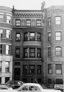477 Beacon (ca. 1942), photograph by Bainbridge Bunting, courtesy of The Gleason Partnership