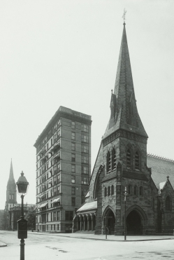 282 Berkeley (29 Commonwealth) and First Church (ca.1900); courtesy of Historic New England.