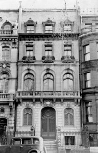 130 Commonwealth (109 Newbury) (ca. 1942), photograph by Bainbridge Bunting, courtesy of the Boston Athenaeum