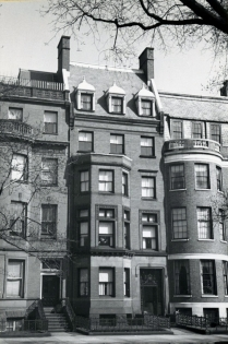 205 Commonwealth (ca. 1942), photograph by Bainbridge Bunting, courtesy of the Boston Athenaeum