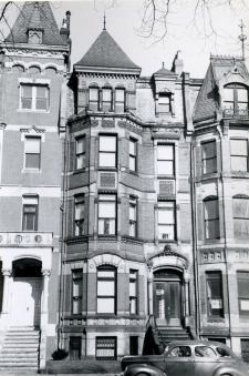 321 Commonwealth (ca. 1942), photograph by Bainbridge Bunting, courtesy of the Boston Athenaeum