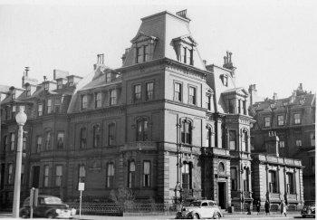 315 Dartmouth (ca. 1942), photograph by Bainbridge Bunting, courtesy of The Gleason Partnership