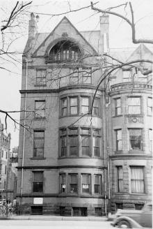 25 Exeter, Commonwealth façade (ca. 1942), photograph by Bainbridge Bunting, courtesy of The Gleason Partnership