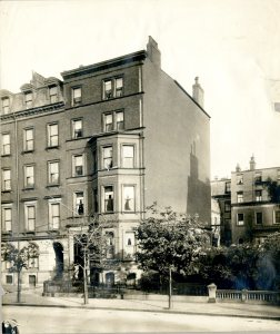 32 Marlborough (ca. 1920), courtesy of the Boston Athenaeum