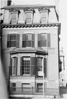 274 Clarendon, Marlborough façade (ca. 1942), photograph by Bainbridge Bunting, courtesy of The Gleason Partnership
