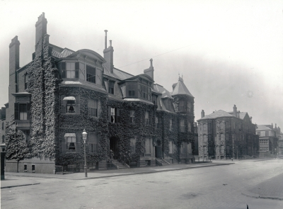 7-9 Fairfield and 282 Marlborough, with 5 Fairfield in distance (ca. 1902); courtesy of the Boston Athenaeum