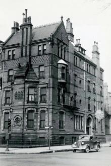 21 Fairfield (ca. 1942), photograph by Bainbridge Bunting, courtesy of the Boston Athenaeum