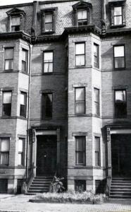 304 Marlborough (ca. 1942), photograph by Bainbridge Bunting, courtesy of the Boston Athenaeum