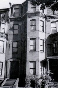 320 Marlborough (ca. 1942), photograph by Bainbridge Bunting, courtesy of the Boston Athenaeum