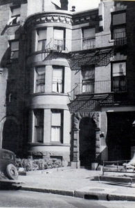 404 Marlborough (ca. 1942), photograph by Bainbridge Bunting, courtesy of the Boston Athenaeum