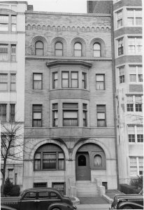 518 Beacon (ca. 1942), photograph by Bainbridge Bunting, courtesy of The Gleason Partnership